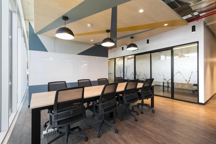 oficina flexible de comunal