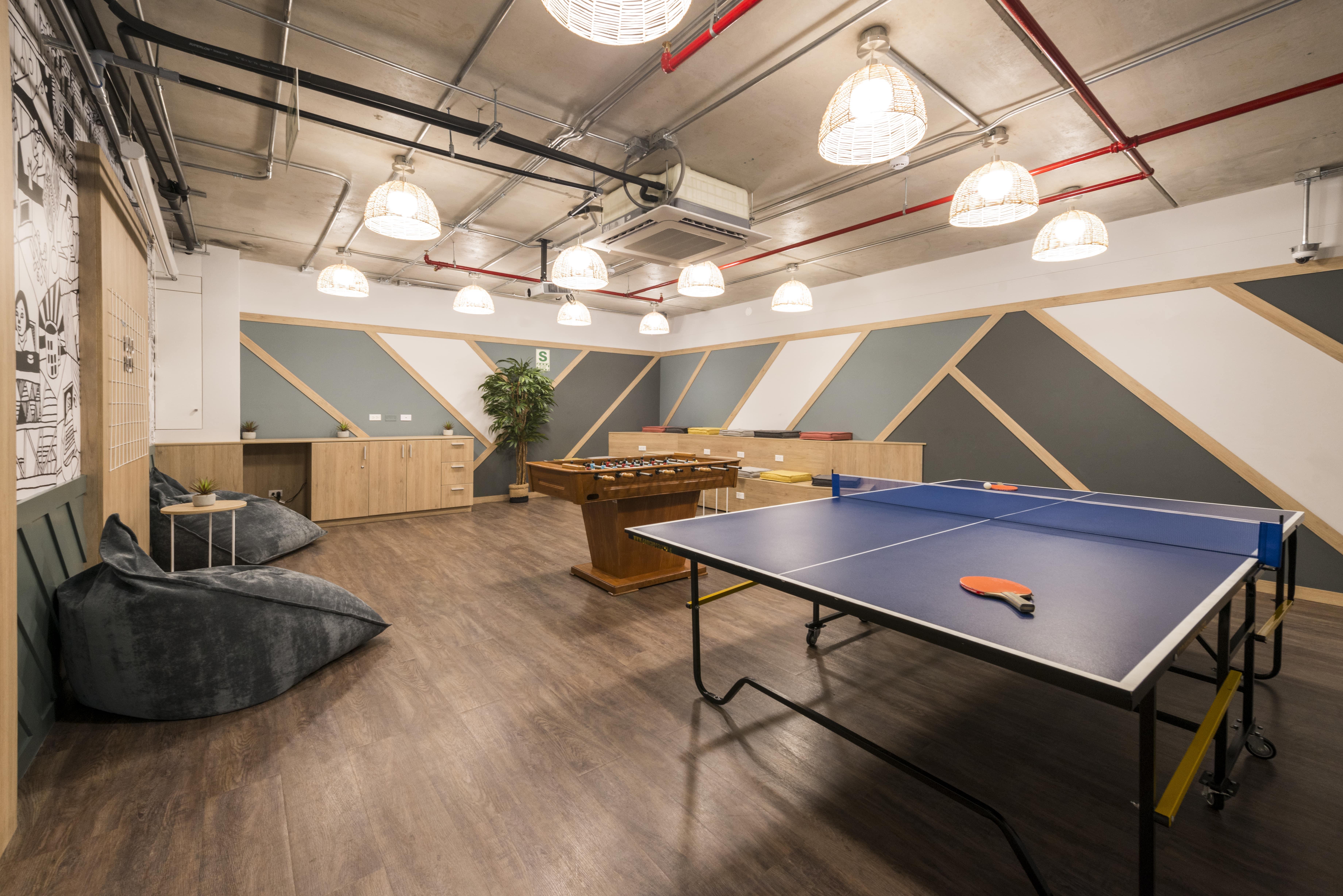 play room de comunal con mesa de ping pong