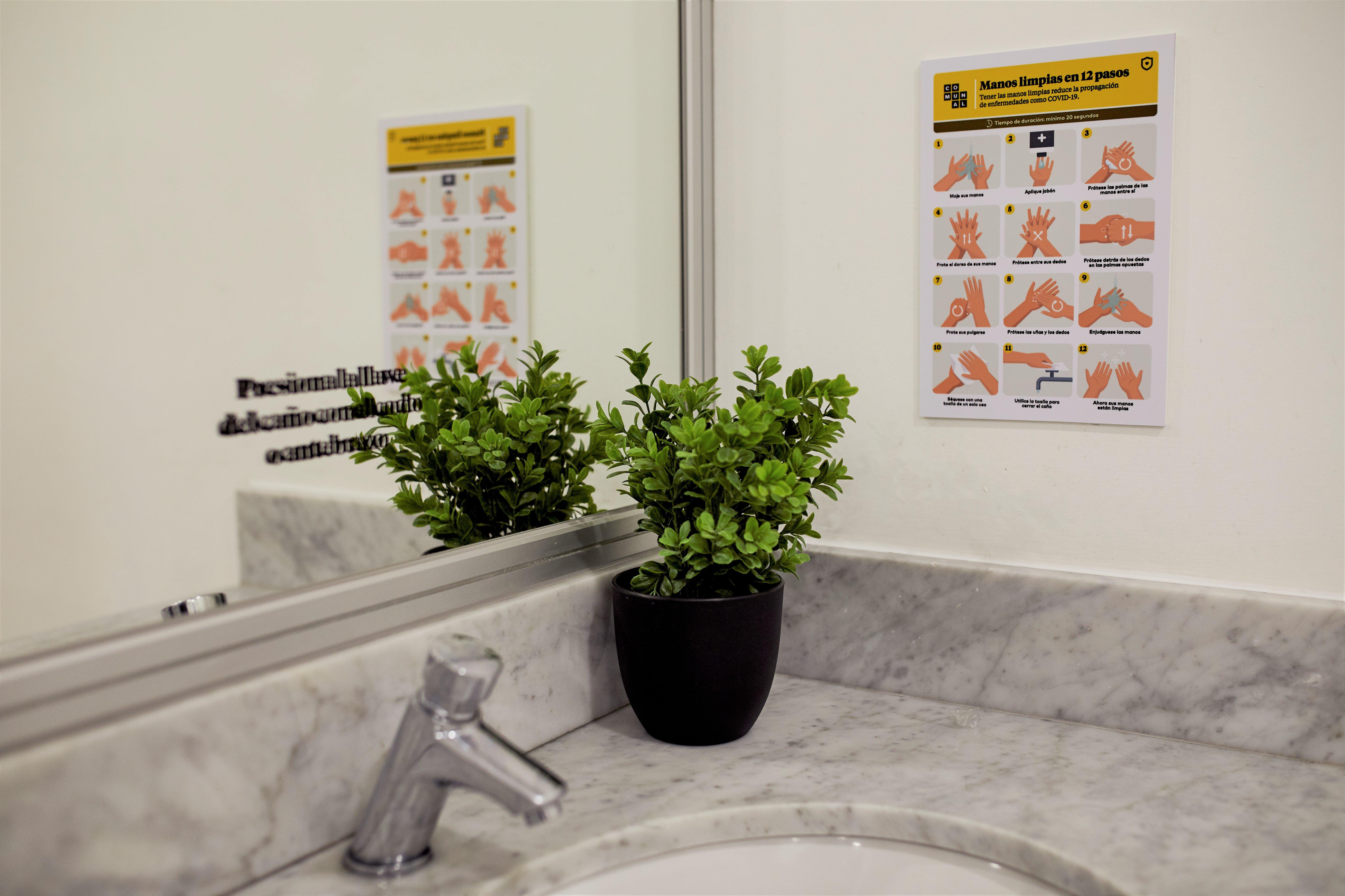 señaletica en baños de comunal