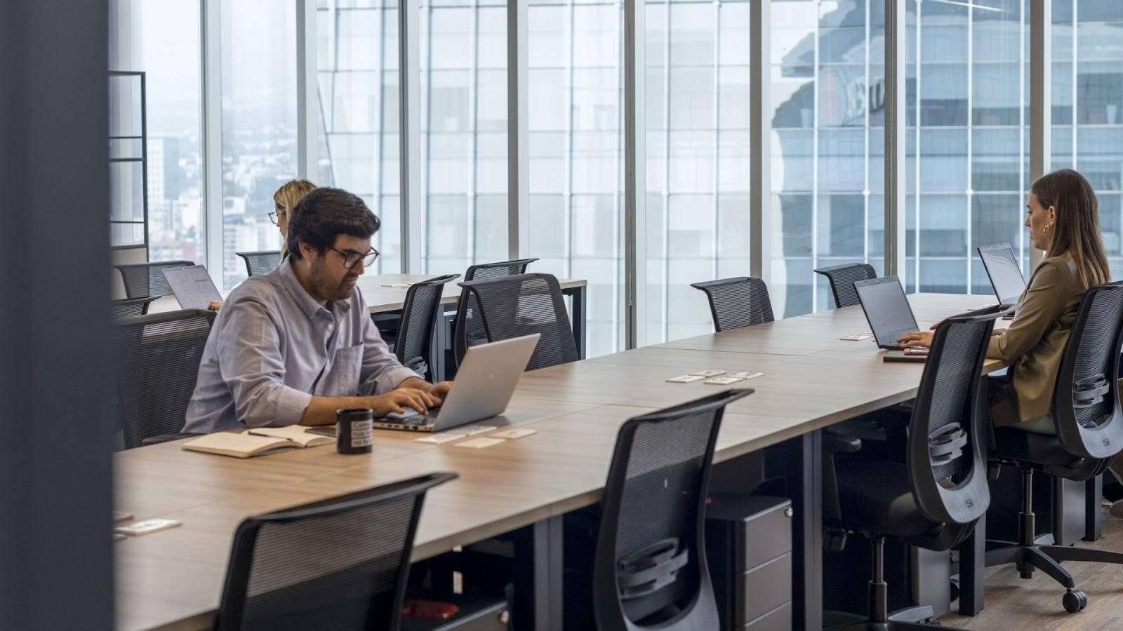 7 razones por las que necesitamos oficinas en la nueva normalidad